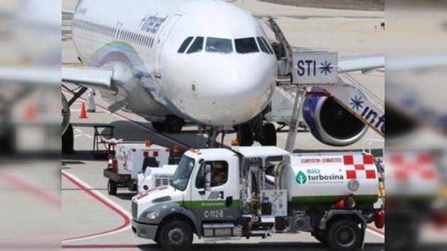 En México aterrizó con éxito avión alimentado por biocombustible