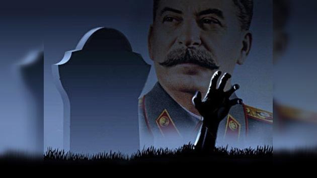 Los rusos, indignados por la decisión de las autoridades de Moscú de instalar retratos de Stalin