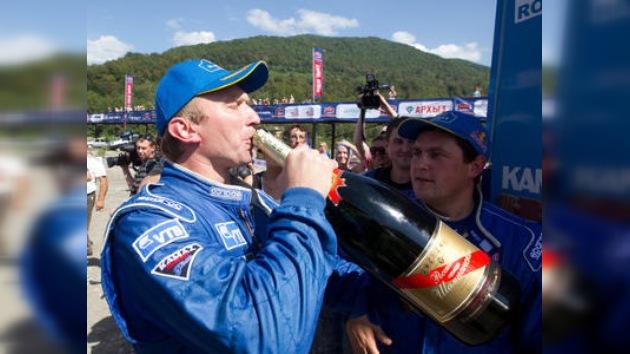 Brillante victoria del equipo ruso en la Ruta de la Seda 2010