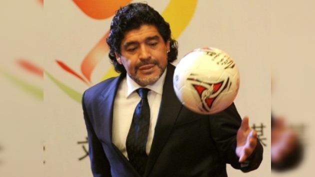 Maradona y estrellas del fútbol jugarán un partido amistoso en la Repúbilca de Chechenia