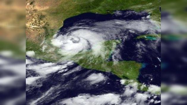 El primer huracán de la temporada, Arlene, amenaza  México
