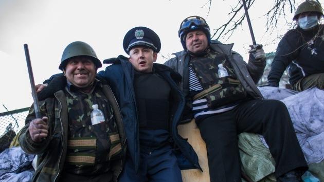 Radicales presentes en Maidán gritan que no se irán hasta que Yanukóvich renuncie