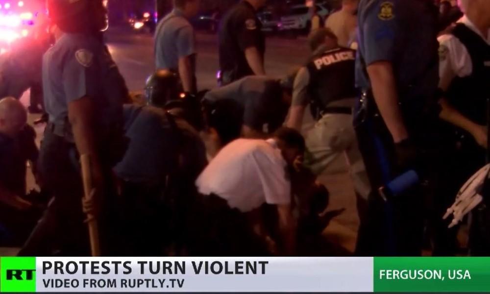Proteste in Ferguson flammen wieder auf - Polizeigewalt in den USA hält an