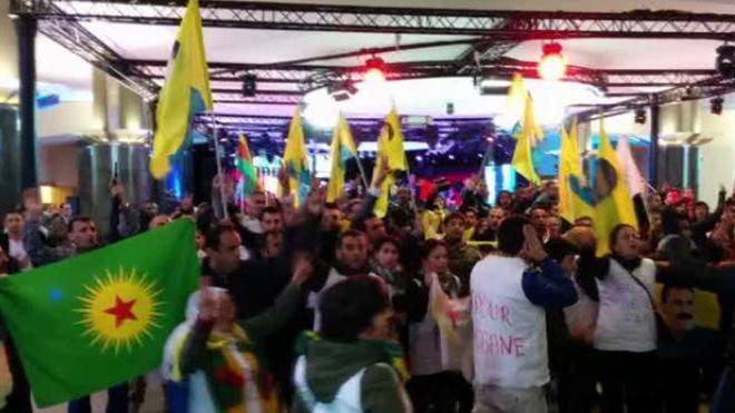#OccupyEP: Kurdische Demonstranten stürmen EU-Parlament wegen Kobane Belagerung