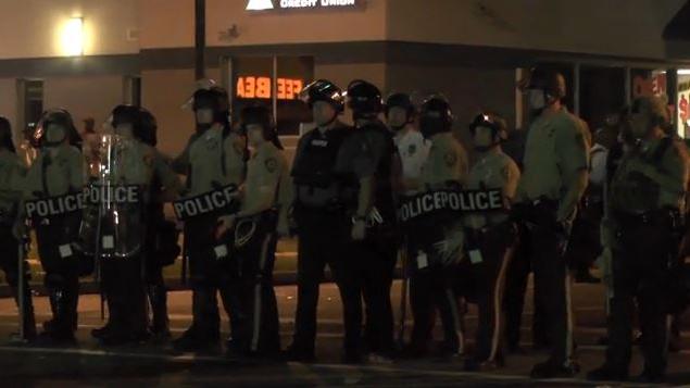 Saint Louis: Schwarzer Teenager von Polizei mit 17 Kugeln erschossen