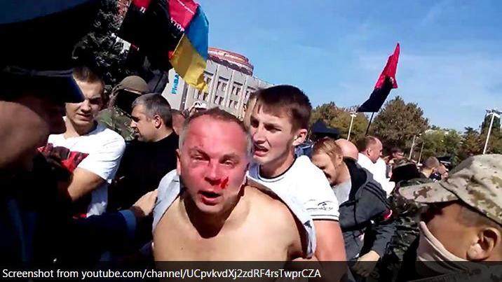 Menschenjagd in Odessa - Radikale Nationalisten schlagen Politiker auf offener Straße zusammen