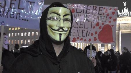 Anonymous schlägt zu: Weltweite Proteste