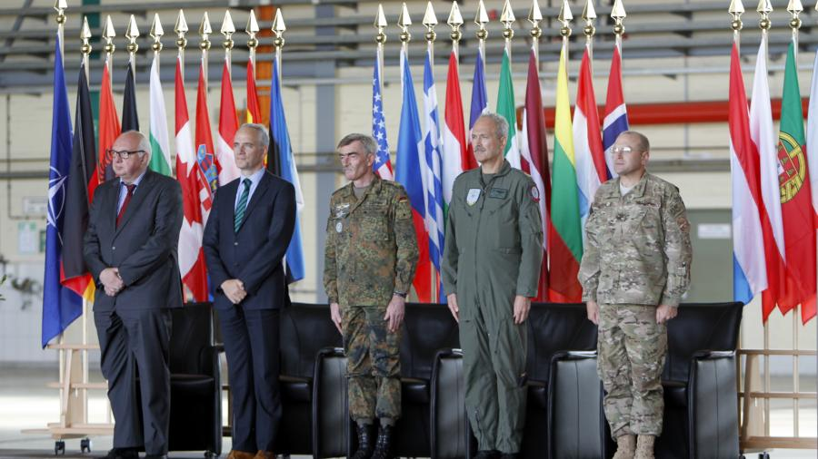 Opiumhändler atmen auf - Bundeswehr bleibt in Afghanistan