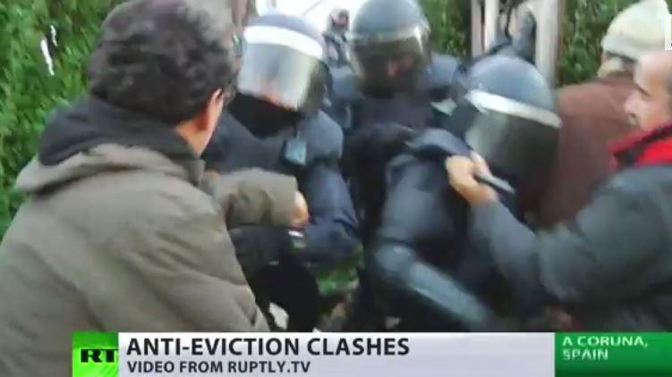 EU-Krise: Polizei räumt gewalttätig Haus von spanischer Rentnerin