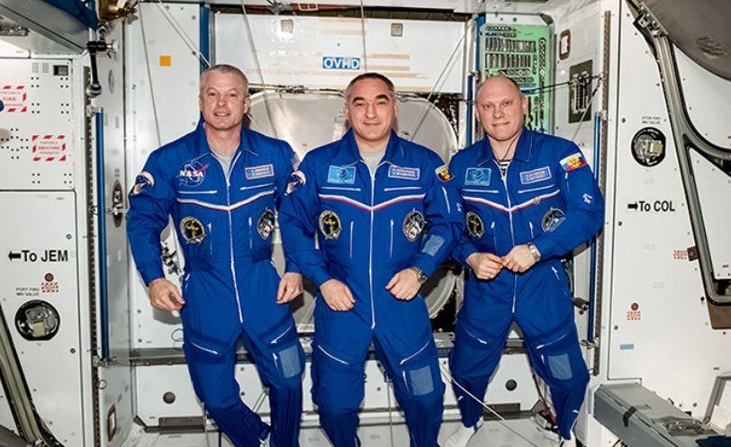 Von links: Steve Swanson, Aleksandr Skvortsov und Oleg Artemyev auf der ISS - Quelle: artemjew.ru