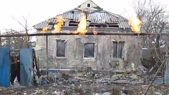 Oligarchen-Fehde in der Ukraine: Einer schickt Hilfslieferungen nach Donezk der andere stoppt sie militärisch