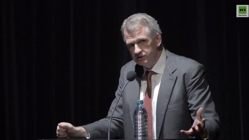 Osteuropaexperte à la USA - Prof. Snyder hält die Welt in Atem