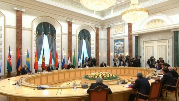 Aufhebung des Blockfreien Status kurz vor Minsker Treffen