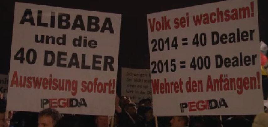 Demo Plakate in Dresden. Quelle: Ausschnitt aus NDR-Video