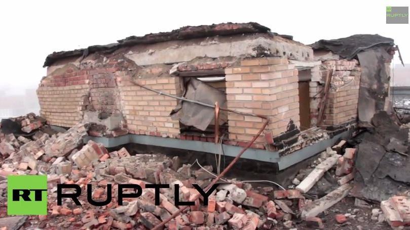 RT Ruptly Exklusiv-Video: Zerstörte Wohngebäude nach Beschuss durch ukrainische Armee