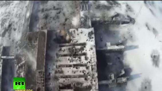 Trümmer über Trümmer - Drohnenvideo vom Donezker Flughafen