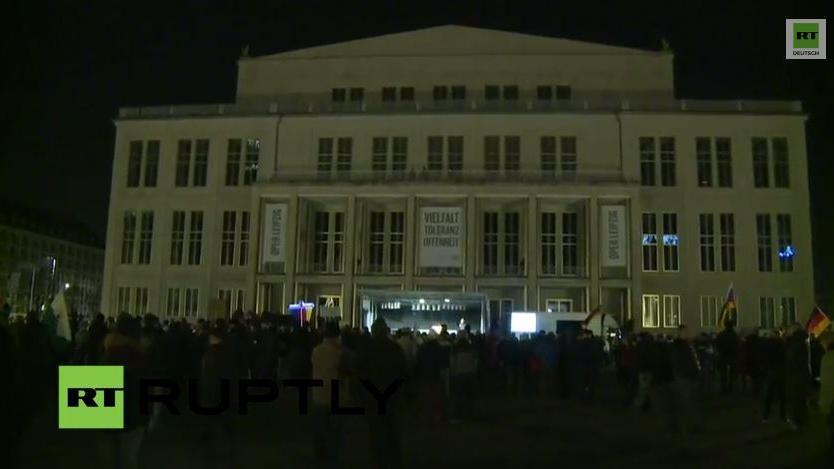 Livestream mit Mobil- und Standkamera aus Leipzig: LEGIDA