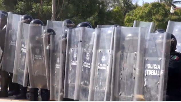 Trägt die Bundesregierung eine Mitschuld am Lehrer-Massaker in Mexiko?