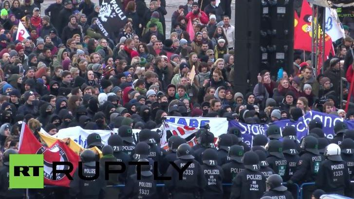 Zusammenstöße bei Anti-AfD-Protest in Bremen