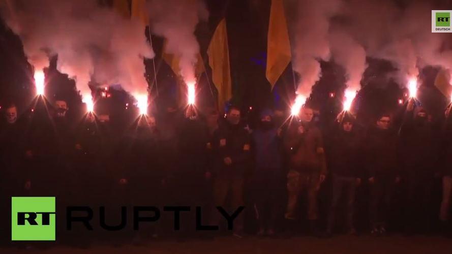 Ukraine: Rechter Sektor und Asow-Bataillon halten Fackelmarsch durch Odessa ab