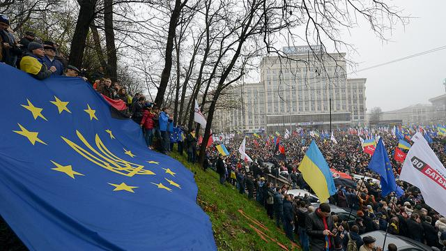 Trotz Friedensplan von Minsk verabschiedet EU neue Sanktionen gegen Russland