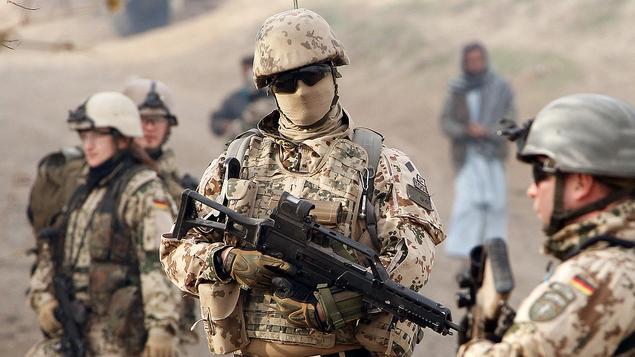 Deutscher Neo-Militarismus auf der Suche nach Finanzierung und Personal