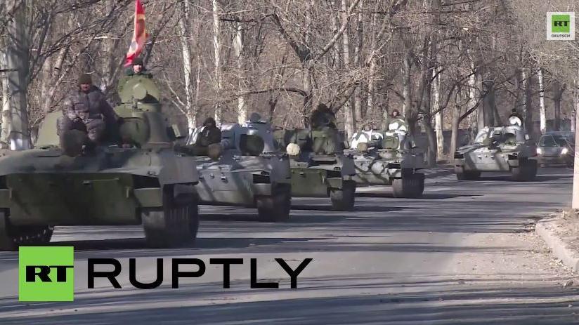 Donezker Volksmilizen ziehen schwere Waffen ab - Regierungstruppen angeblich nicht