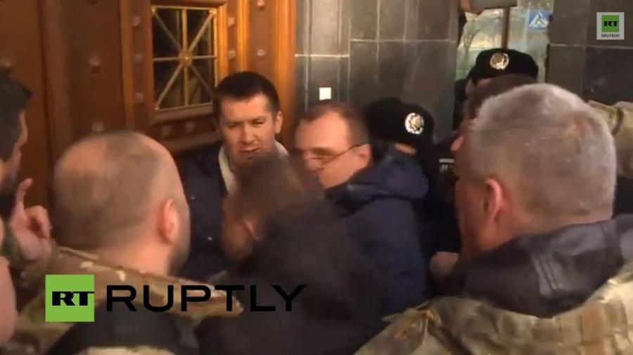 Kiew: Freiwilligen-Bataillone planten Sturm des Generalstabs der ukrainischen Armee