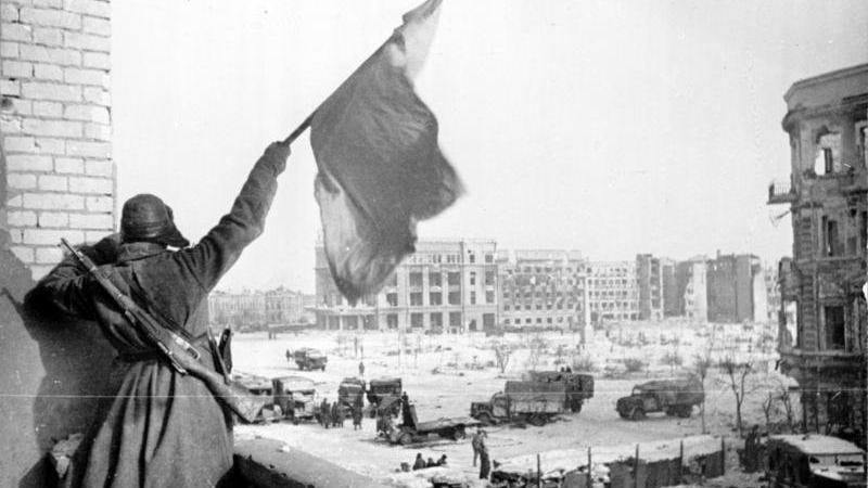 Offener Brief der Stalingrad-Veteranen - Antwort des Kanzleramts und Provinzposse in Thüringen