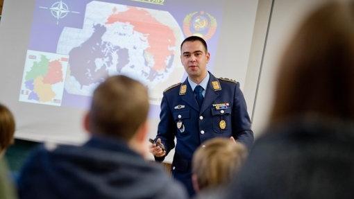 Bayern: Kritik an Bundeswehr und man fliegt von der Schule