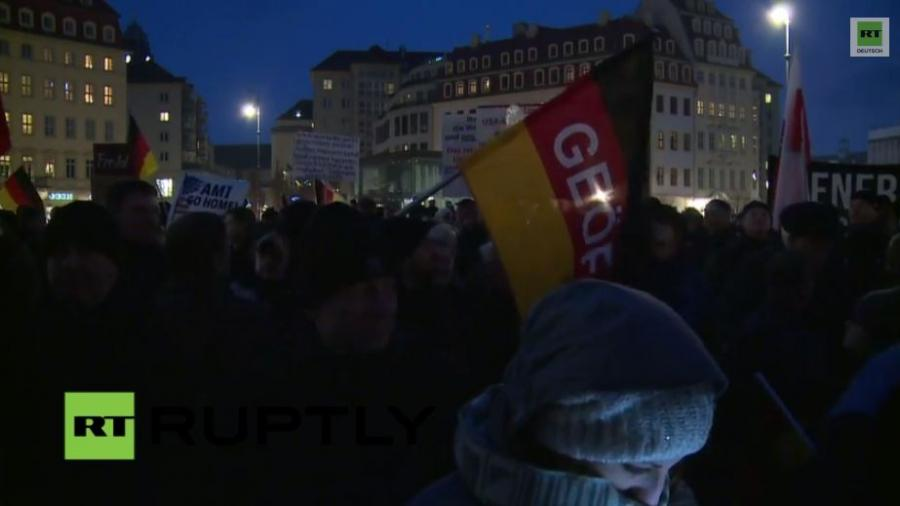LIVE: PEGIDA-Demonstration in Dresden
