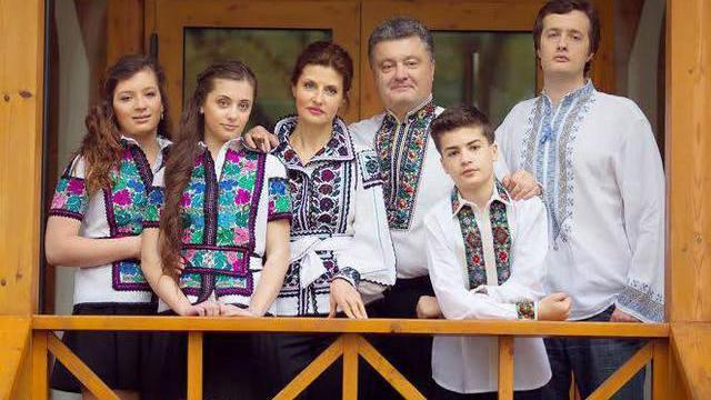 Poroschenkos Familie aus Kiew geflohen - Hintergrund: Ultimatum des Rechten Sektors wegen Kessel von Debaltsevo