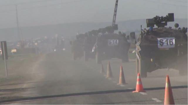 Türkische Armee evakuiert Soldaten und marschiert durch IS-Territorium in Syrien ein