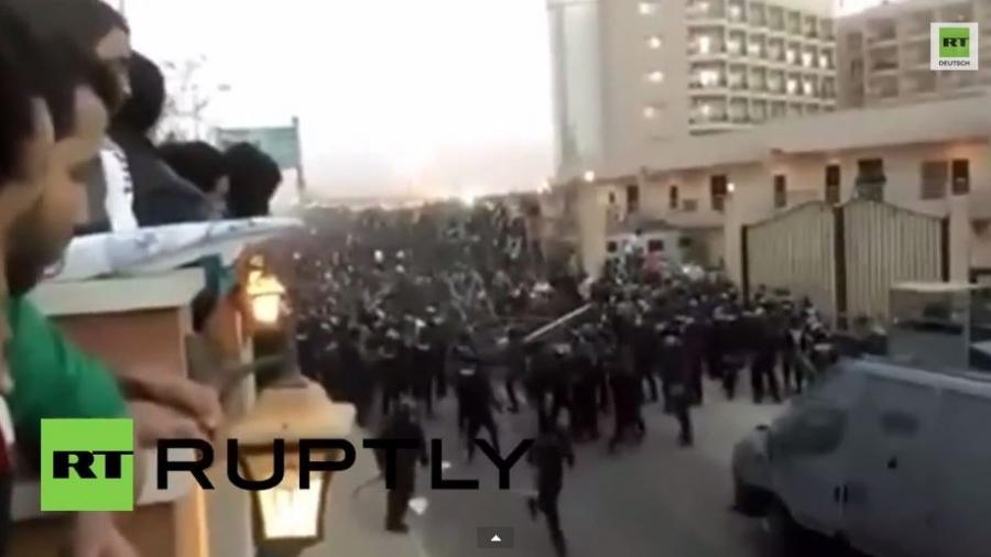 Kairo: Heftige Ausschreitungen zwischen Fußballfans und Polizisten- 22Tote