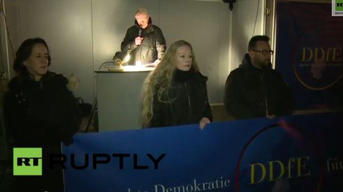 """LIVE: Zweite Demo der PEGIDA-Neugründung """"Direkte Demokratie für Europa"""""""