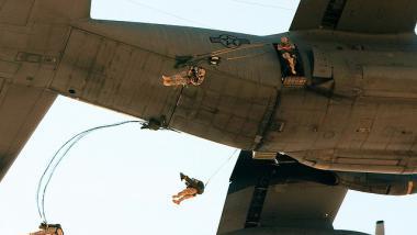 Die USA verlegen 600 Fallschirmspringer in die bürgerkriegsgeschüttelte Ukraine