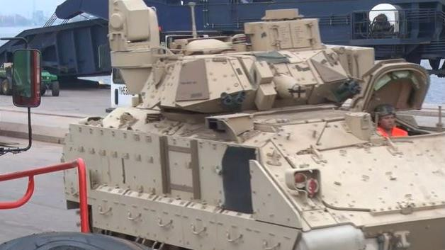 "Lettland fühlt sich offiziell dank neuer US-Panzer ""etwas sicherer"""