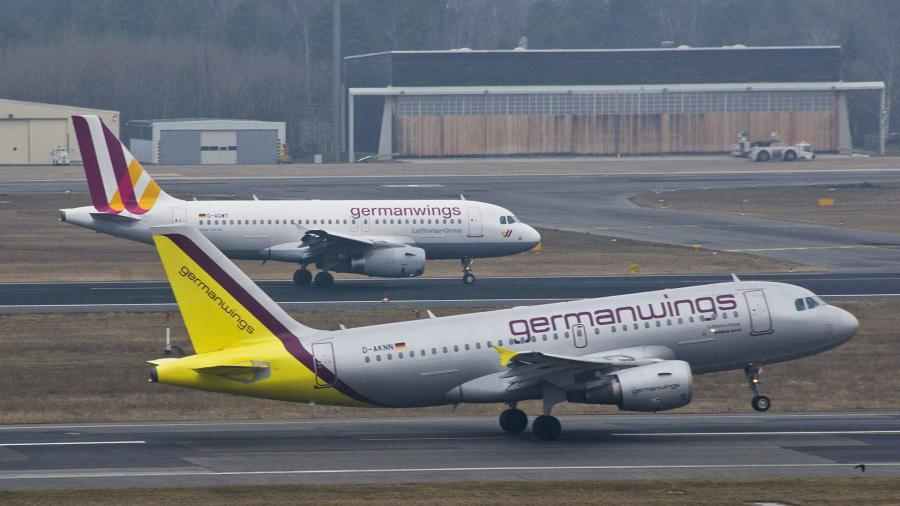 Flugzeugabsturz von Germanwings in Südfrankreich - Wrack auf 2000m Höhe geortet - Bergung läuft - Alle Insassen tot