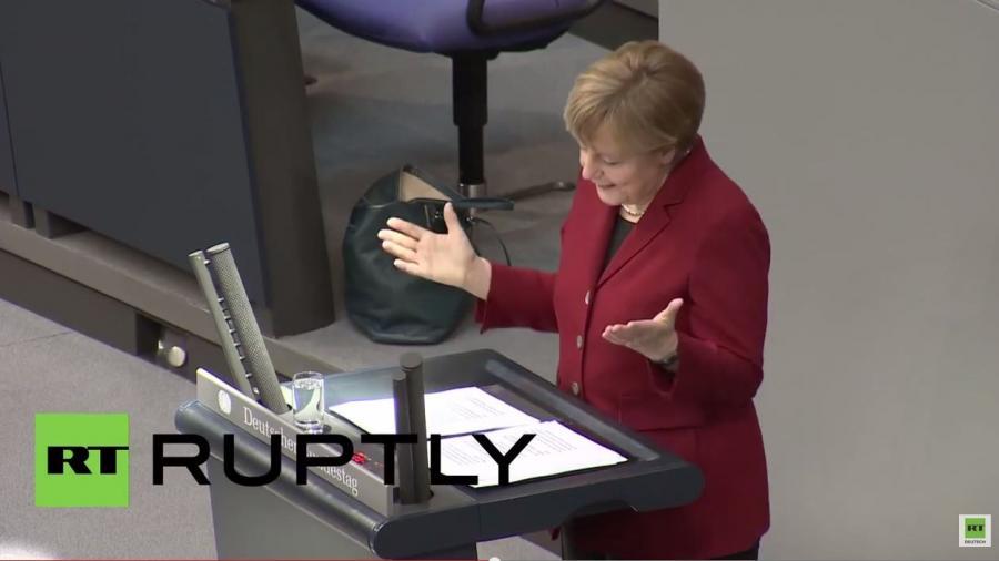 Merkel provoziert Gelächter im BT: Ich freue mich auf den Besuch und die Diskussionen mit Tsipras