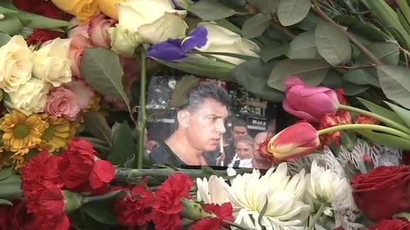 Trauermarsch in Moskau in Gedenken an Nemzow