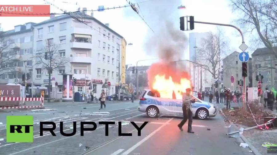 Blockupy Frankfurt: Massive Gewalteskalation auf beiden Seiten - Polizeiautos brennen