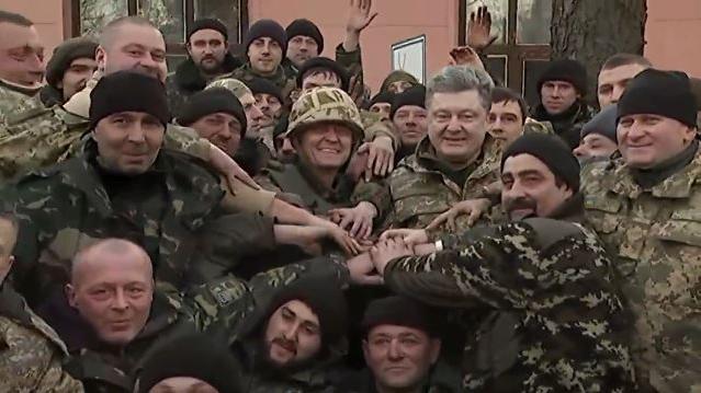 Minsk II: Kiew hinkt beim Abzug schwerer Waffen hinterher