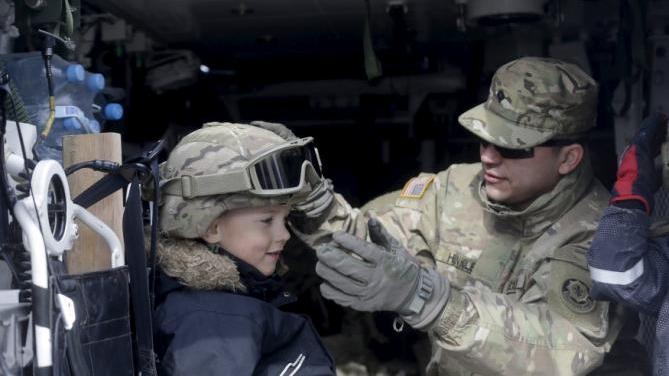 Werbetour der US-Militärs trifft auf Widerstand: Tschechen kündigen Proteste an und fühlen sich an sowjetische Panzer beim Prager Frühling erinnert