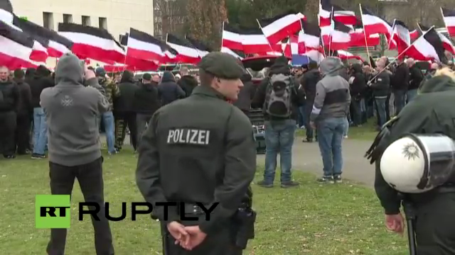 Live: Rechtsradikale Partei versucht durch Dortmund zu ziehen – Antifa ruft zur Blockade auf