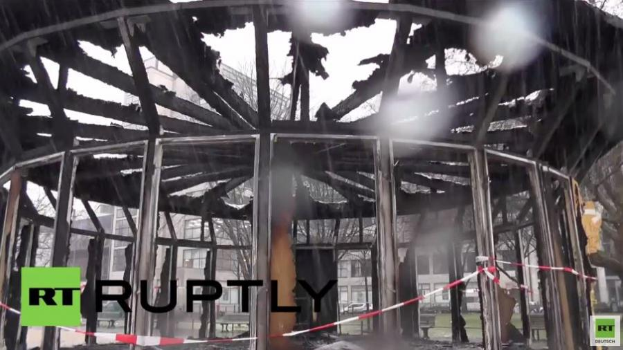 Anschlag? Kunstprojekt für Flüchtlinge in Berlin niedergebrannt