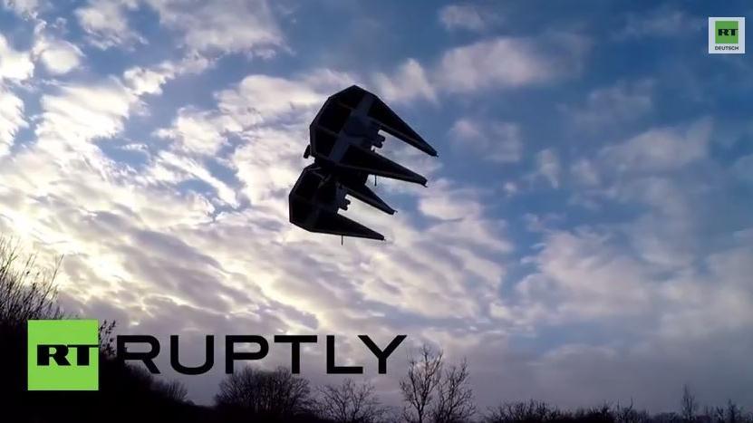 Frankreich: Mann baut Drohne zu Star Wars TIE Interceptor um