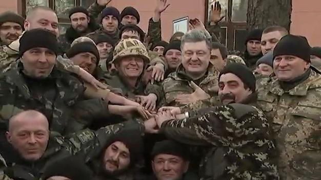 """Ukrainische Armee nimmt jeden"", sagt politischer Berater Juri Birukov"