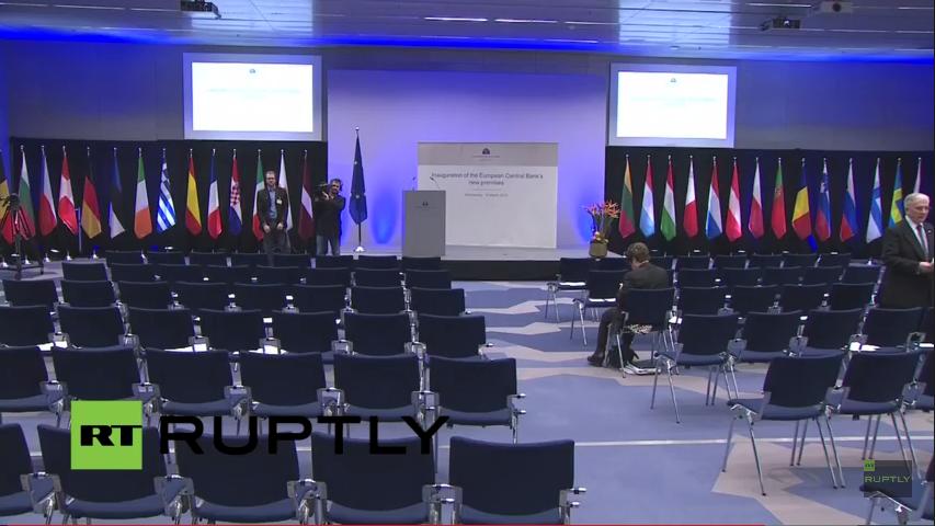 LIVE: Eröffnungszeremonie des EZB-Neubaus begleitet von massiven Protesten