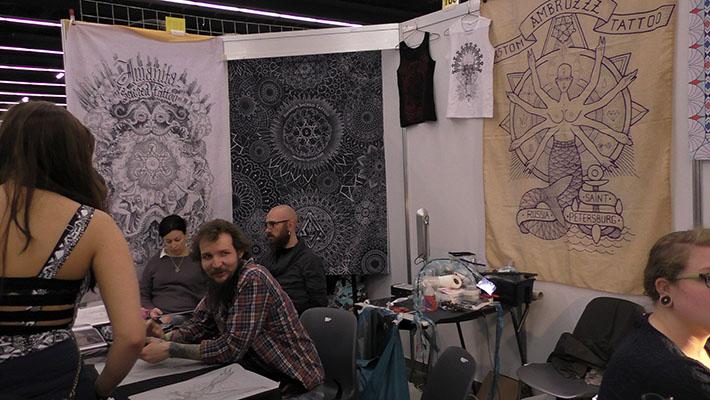 Russische Tattoo-Künstler in Frankfurt haben keine Angst vor dem Kreml