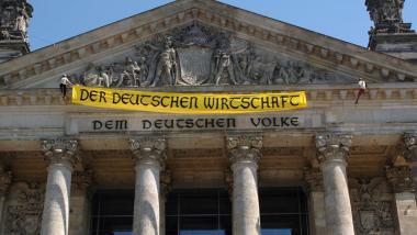 Wie deutsche Unternehmen de facto Bundestagsabgeordnete kaufen